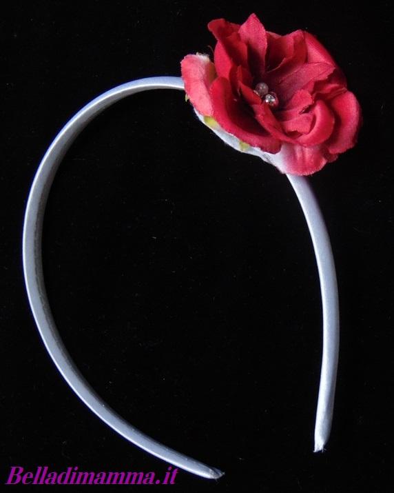 vasta selezione di adatto a uomini/donne codice coupon OMAGGIO: Cerchietto con fiore Rosso Amaranto per Bambina ...